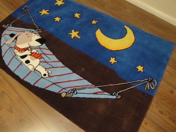 Kinderteppich- Gustav schläft, der Hund 150 x 150 cm Gustav und seine Freunde