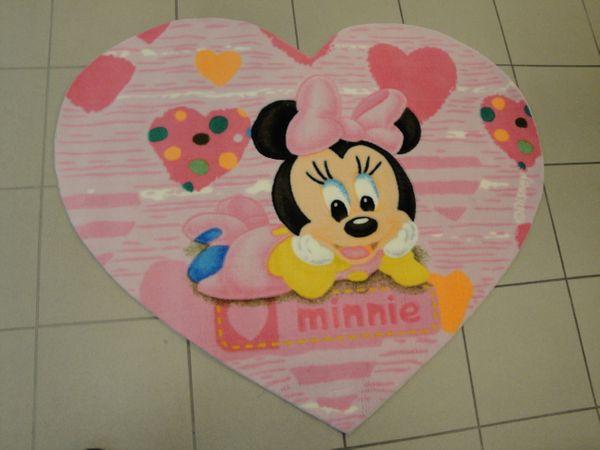 Disney Kinderteppich B11 Minnie 120 x 100 cm Herzformat Handgetufted